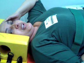 Mulher se desequilibra em ônibus e fica ferida no ES - Conceição do Carmo estava sentada no banco de trás do coletivo. Acidente aconteceu dentro do ônibus 512, do Transcol, na Serra.