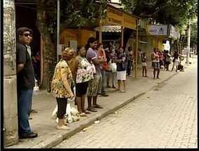 Protestos contra o aumento da tarifa do transporte público causa atrasos em Valadares - Muita gente teve problemas para usar o transporte coletivo.