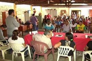 Incra e Fetaema participaram de reunião com agricultores que ocupam reserva awá-guajá - Reunião ocorreu em Zé Doca. Encontro que seria para apresentação das terras para onde eles serão remanejados acabou servindo também para discussão de algumas necessidades dos agricultores.