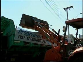 Projeto Cidade Limpa é realizado até sexta-feira em Taquarituba - Começou nesta segunda-feira (20), o projeto Cidade Limpa 2014 em Taquarituba (SP). Até a próxima sexta-feira (24), as equipes de coleta deverão percorrer 15 áreas da cidade. Os trabalhos são feitos das 7h às 17h.