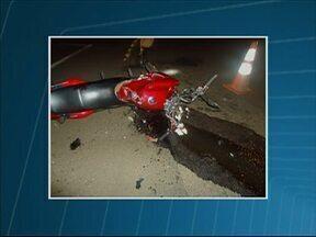 Duas pessoas morrem em acidentes na PR-466 - Os acidentes aconteceram em Pitanga e Turvo. Um motociclista e o motorista de um carro morreram na hora.