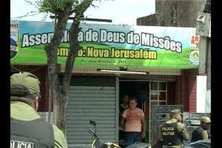 Bandidos armados fazem uma pessoa refém no bairro do Guamá, em Belém - O homem que ficou sob a mira de um revolver passava na rua no momento da fuga dos assaltantes.