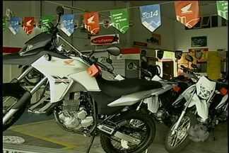 Venda de motos continua em alta em Petrolina, PE - Vendedores de motos não tem do que reclamar na cidade onde o número de veículos deste tipo nas ruas só cresce.