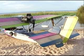 Ultraleve faz pouso forçado em praia de Santarém - Problemas na hélice causaram a situação. Ninguém ficou ferido.