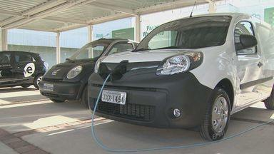 Postos para carregar veículos elétricos são instalados em Campinas - A previsão é que em cinco anos 100 eletropostos sejam instalados na região.
