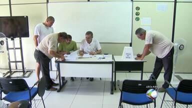 Votação define câmera de segurança como obrigatória nos táxis em MG - Equipamento foi escolhido em consulta aos taxistas em Juiz de Fora.Settra irá elaborar lei sobre obrigatoriedade e Câmara fará avaliação.