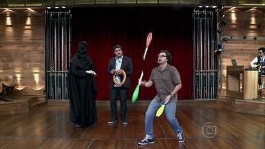 Emilio Orciollo Netto faz malabarismos e arrasa! - Ator fala sobre habilidades circenses de seu personagens em Gabriela e Araguaia