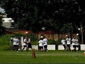 Nacional de Uberaba agenda amistosos pensando no Módulo II - Equipe do técnico Jordan de Freitas têm atletas considerados mais jovens, em relação ao elenco de 2013