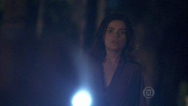 Amor à Vida - capítulo de quarta-feira, dia 22/01/2014, na íntegra - Aline manda Ninho prender Rebeca