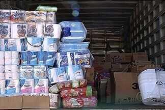 PRF flagra alimentos sendo transportados junto com inseticida na BR-060, em Rio Verde - Segundo a Polícia Rodoviária Federal, o caminhoneiro não respeitava praticamente nenhuma norma de segurança.