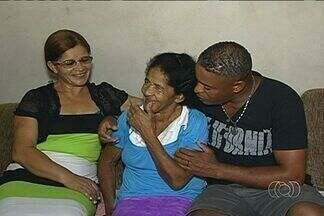 Mãe e filha se reencontram após 50 anos, em Ipameri, GO - O encontro foi adiado várias vezes porque a filha passou a vida todo com uma imagem errada da mãe.