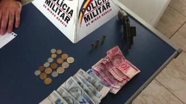 Jovem suspeito de morte de taxista é preso em Juiz de Fora - PM recebeu denúncia de que ele estava armado na rua de um Condomínio.Na identificação, a PM descobriu dois mandados de prisão contra ele.