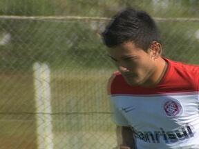 Cara nova no Inter, chileno Aránguiz arranca elogios dos companheiros - Volante é destaque do futebol em seu país.