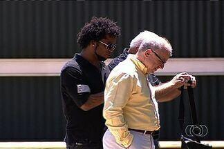 Carlos Alberto espera ressurgir no Goiás - Meia esteve suspenso por doping, mas foi absolvido e acertou com o Verdão.