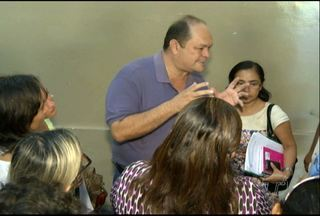 Profissionais da saúde agendam reunião com prefeito de Santarém - Classe quer reajuste salarial, PCCR, entre outras mudanças. Prefeito assinou decreto que cria comissão para elaborar o PCCR .