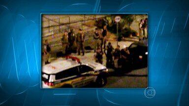 Ação da PM no Aglomerado da Serra termina com homem baleado - Segundo polícia, ele estava armado