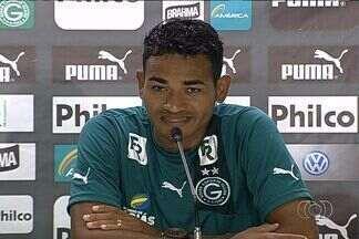 Goiás apresenta zagueiro Jackson, ex-Internacional - Jogador chega com contrato até o fim do ano e espera se firmar no Verdão.