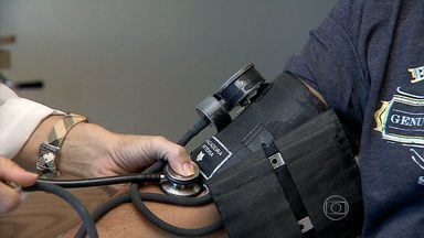 Check-ups e exames de rotina são importantes para descobrir e controlar doenças - Homens e mulheres não podem se descuidar.