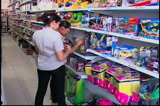 Lei proíbe venda de armas de brinquedo - Comércio de Mogi das Cruzes se prepara para queima de estoque.