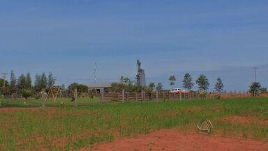 Policiais tentam evitar nova ocupação da reserva indígena Marãiwatsédé - Policiais permanecem na reserva indígena Marãiwatsédé, em Alto Boa Vista, para evitar uma nova ocupação pelas famílias retiradas da área.