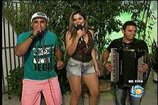 Banda Saia Rodada se apresenta nesta sexta (31) - Banda toca forró ao vivo.