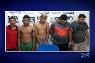 Polícia prende cinco suspeitos de envolvimento com venda de veículos roubados em São Luís - Os presos foram autuados por formação de quadrilha, receptação de mercadoria roubada e assalto.
