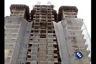 Prédio em construção no bairro do Telégrafo, em Belém, é alvo de denúncia da OAB - Residencial de 20 andares é alvo de denúncia de crime ambiental.