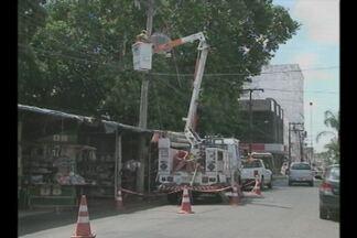 Falta de luz é recorrente em Cruz Alta, RS - Quedas constantes na energia elétrica causam prejuízos no comércio.