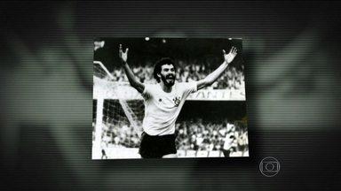 Esporte Espetacular faz homenagem a Sócrates na semana em que ele faria 60 anos - Reportagem mostra desde o início no Botafogo de Ribeirão Preto, passando pelo estrelato no Corinthians e na Seleção Brasileira, além da vida do ex-jogador.