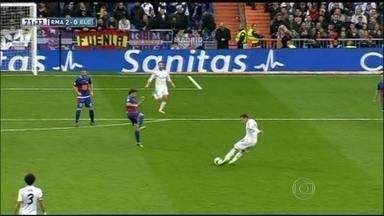 Com golaço de Bale, Real Madrid goleia Elche no Campeonato Espanhol - Rival Barcelona perdeu para o Real Sociedad por 3 a 1.