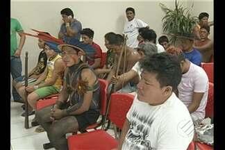 Índios ocupam agência da Celpa em Tucuruí - Índios Assurini cobram manutenção em aldeia sem energia elétrica