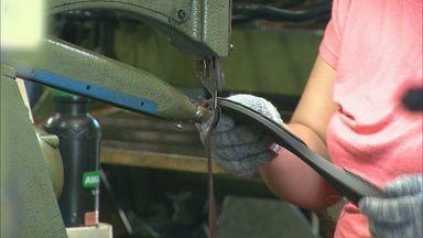 Franca, SP, lidera geração de empregos no interior de SP - Indústria de calçados está com vagas abertas.