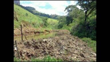 Polícia descobre construção de poço em área irregular, no Sul do ES - A obra não era autorizada e danificou quase um hectare de uma área de preservação permanente.