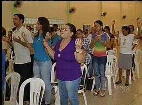 Católicos aproveitam o carnaval em encontro religioso - Católicos aproveitam o carnaval em encontro religioso.