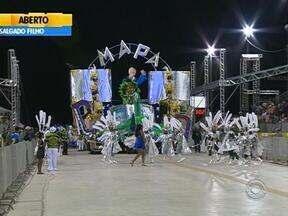 Vencedoras do carnaval de Porto Alegre serão conhecidas nesta terça-feira - Cinco escolas do Grupo de Acesso desfilaram na noite dessa segunda-feira no Porto Seco.