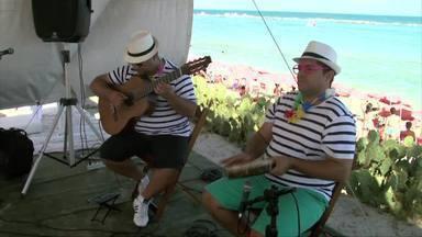 Músicos preparam repertório especial para o carnaval - Integrantes um um grupo contam como é tocar durante a folia de momo. Marchinhas e muito frevo estão entre as músicas mais tocadas.