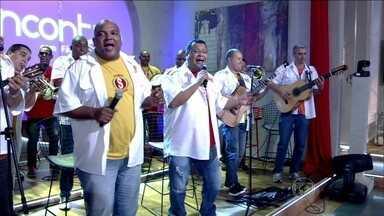 Banda Saldanha canta 'Vou festejar', de Beth Carvalho - Confira vídeo da apresentação