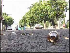 Homens disparam contra dois e matam jovem em Carnaval de Uchoa - Dois homens armados dispararam contra jovens que saiam do Carnaval em Uchoa (SP) na madrugada desta terça-feira (4). Um rapaz, de 18 anos, foi morto e outro ficou ferido.