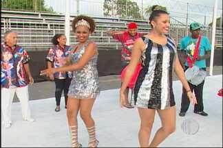 Desfile das campeãs do carnaval de Mogi será nesta terça-feira (4) - A tricampeã do carnaval de Mogi das Cruzes, Águia de Prata, será a última escola na avenida na noite desta terça-feira (4)