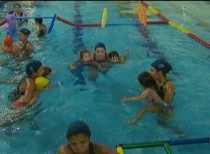 Brincar em piscinas requer cuidados e regras para evitar acidentes - Medidas simples e mudanças de atitude garantem segurança.