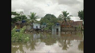 Nível do Rio Machado, em Ji-Paraná, começa a baixar - Mas segundo o Corpo de Bombeiros, ainda é cedo para comemorar.