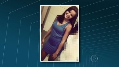 Jovem é encontrada morta na Rocinha, zona sul do Rio - O corpo da jovem de 18 anos estava amarrado dentro do banheiro de um bar. Dias antes de morrer, a moça reclamou que estava sendo seguida dentro do comunidade. Para a família, o homem que a perseguia era o dono do bar onde o corpo foi achado.