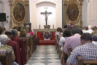 Após cinco anos em reforma, Igreja de Sant`Anna volta a celebrar missas - Apenas a primeira etapa das obras foi concluída