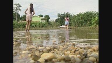 Em Ji-Paraná, ribeirinhos atingidos pelas águas do Rio Machado começam a voltar para casa - As águas do rio começam a baixar.