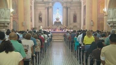 Missa marca início do período de quaresma, em Manaus - Católicos iniciaram período na quarta (5).