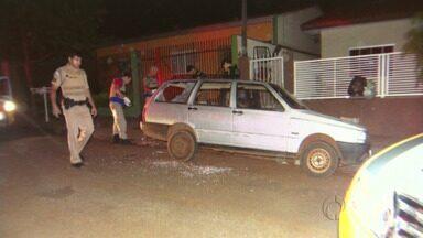 Briga entre colegas de trabalho termina em morte em Cambé - Um dos homens foi esfaqueado, teve um mal súbito e morreu.