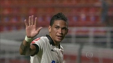Luciano, pelo Corinthians, e Osvaldo, pelo São Paulo, são os destaques para o clássico - Com Pato e Jadson fora do confronto, atacantes dos dois times tentam se firmar na equipe titular.