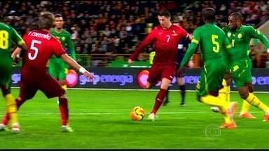 Adversário do Brasil na 1ª fase da Copa, Camarões sofre com talento de CR7 em amistoso - Português, melhor jogador do mundo, bateu recorde de gols na seleção portuguesa.