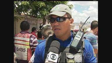 Ex-marido é suspeito de matar mulher a facadas em Caruaru - Eles discutiram e a vítima foi morta a facadas. Suspeito esta sendo procurado pela polícia.