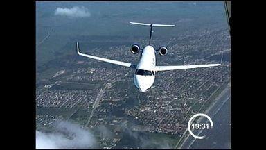 Embraer apresenta nova versão do jato E175 - O novo avião deve ajudar a empresa a manter o crescimento dos últimos anos.